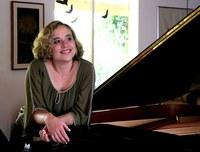 Lançamento do CD Piano Presente da pianista Joana Holanda na Série Unirio Musical